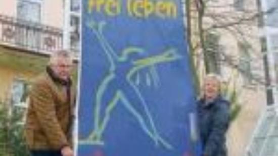 Samtgemeinde-hisst-flagge-fuer-frauen Artikelhoch